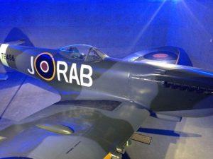 auckland-museum-plane